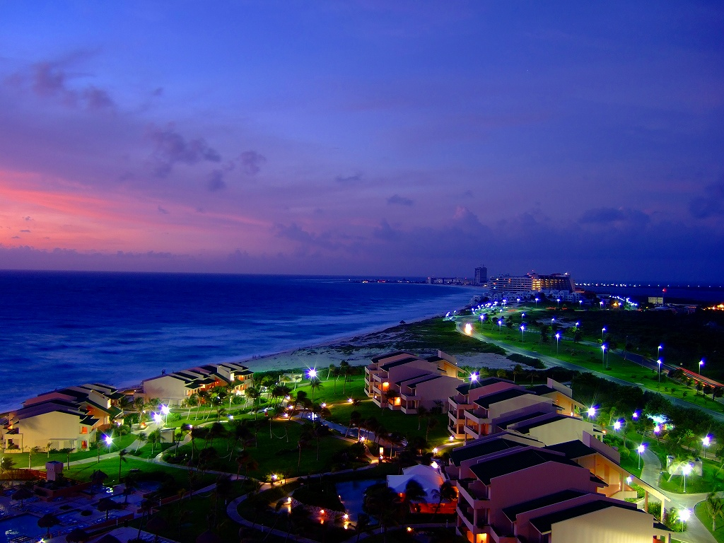 Sunrise in Cancun