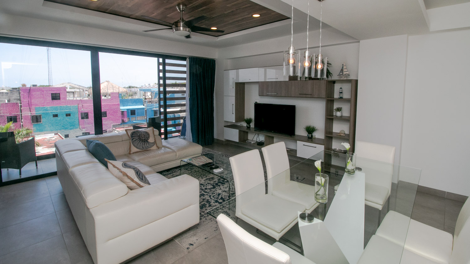 Living and dining room condo for sale in Playa del Carmen