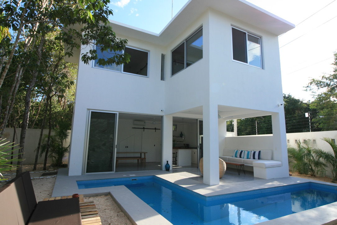 Villa for Sale in Tulum with Contemporary Swimming Pool